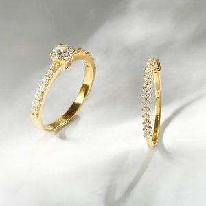 Parcel Perhiasan Aurum Lab